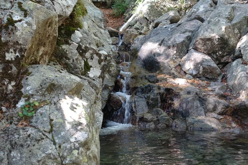 Fernwanderweg GR 20 auf Korsika. 12. Etappe vom Refuge de Prati zum Refuge d`Usciolu