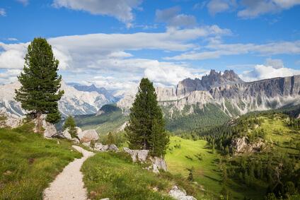 Dolomiten-Höhenweg 1. Achte Etappe von Rifugio Pramperét nach Rifugio Pian de Fontana