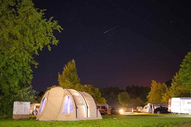 Das Eureka Poso Creek BTC RS Polycottonzelt bei Nacht. Ein schönes Polycotton Zelt.
