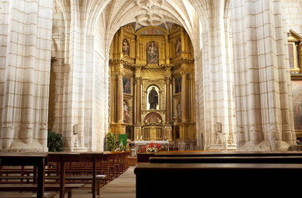 Kirche in Hornillos del Camino. Ein Highlight auf dem Jakobsweg Spanien.