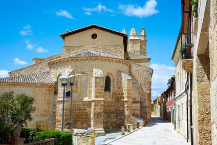 Castrojeriz. eine sehenswerte Stadt auf der Jakobsweg Karte. Ein Highlight auf dem Pilgerweg in Spanien.