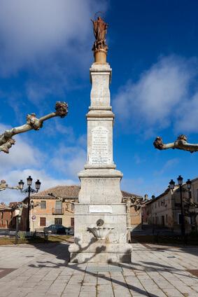 Halbzeit der Jakobsweg Spanien Etappen. Ziel der Etappe auf dem Pilgerweg in Spanien ist Carrión de los Condes.