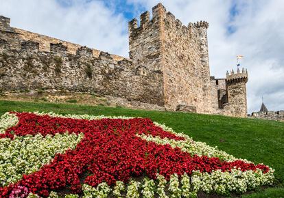 Schloss in Ponferrada. Sehenswürdigkeiten gibt es viele auf der Jakobsweg Etappen Karte.