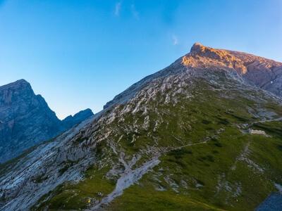 Das Hocheck - Aufstieg zum Gipfel während der Watzmann Überschreitung.