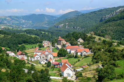 Weiter geht es nach Sainte Engrâce. Dies ist das Ziel der elften Etappe des Pyrenäen Wanderwegs.