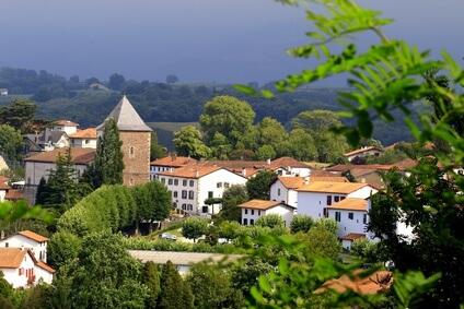 Der wunderschöne Ort Sare, Ziel der zweiten Etappe auf dieser Wanderung durch die Pyrenäen.