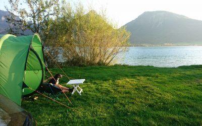 Im Zelt mit Deinem Hund – Camping-Urlaub mit vier Pfoten