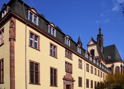 Der Eifelsteig Etappe 12 führt uns zum Kloster Himmerod.