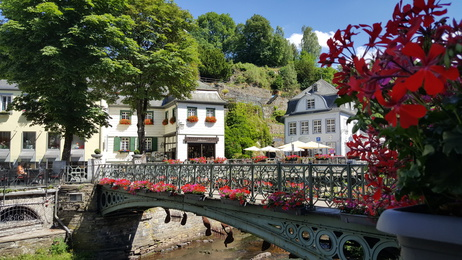 Der Eifelsteig Etappe 2 führt uns bis nach Monschau.