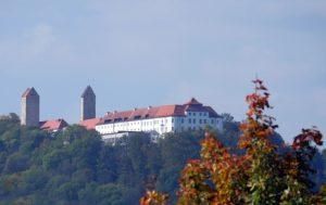 Altmühltal-Panoramaweg Etappe 7 - Blick auf das Schloss Hirschberg in Beilngries, dem Ziel der Etappe 7