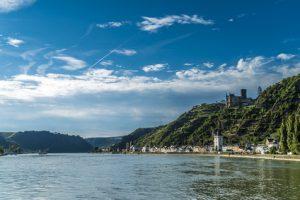 Rheinsteig Etappe 14 - der Weg zum Etappenziel St. Goarshausen führt wieder durch eine tolle Landschaft