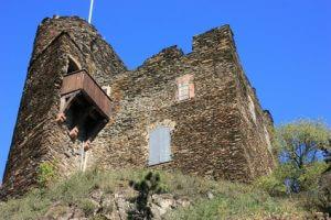 Rheinsteig Etappe 16 - auf dem Weg nach Lorch sollte man die Ruine Nollig gesehen haben.