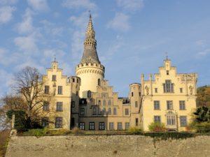 Rheinsteig Etappe 4 - am heutigen Tage ist das Ziel der Etappe Bad Hönningen, vorbei an Schloss Arenfels