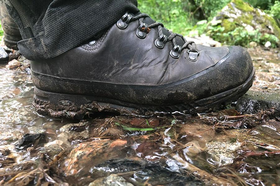 Wanderschuhe – auf die richtige Pflege kommt es an!