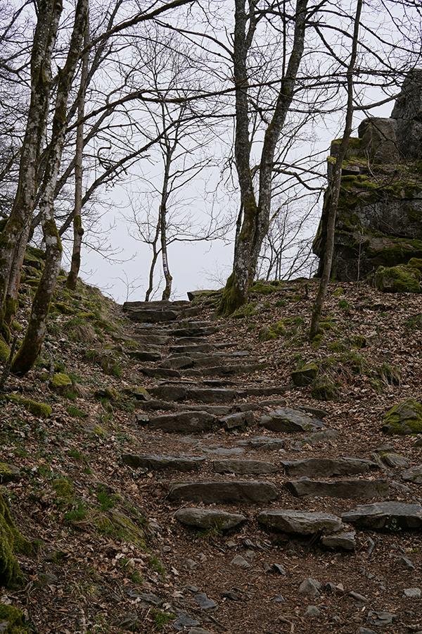 Felsstufen auf dem Weg zur Milseburg