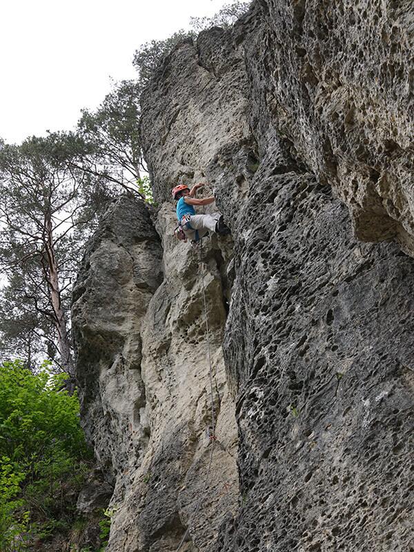 Kletterer im Treunitzer Klettergartenn