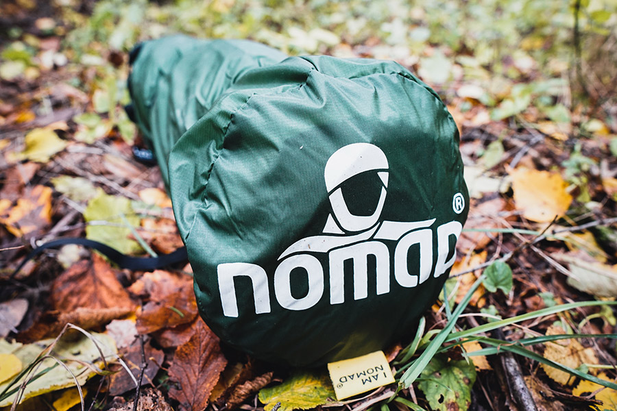 Jade Tent 2 im Packsack mit NOMAD Logo
