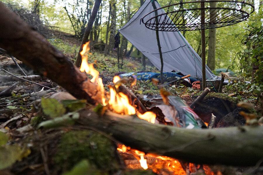 Das Lagerfeuer brennt