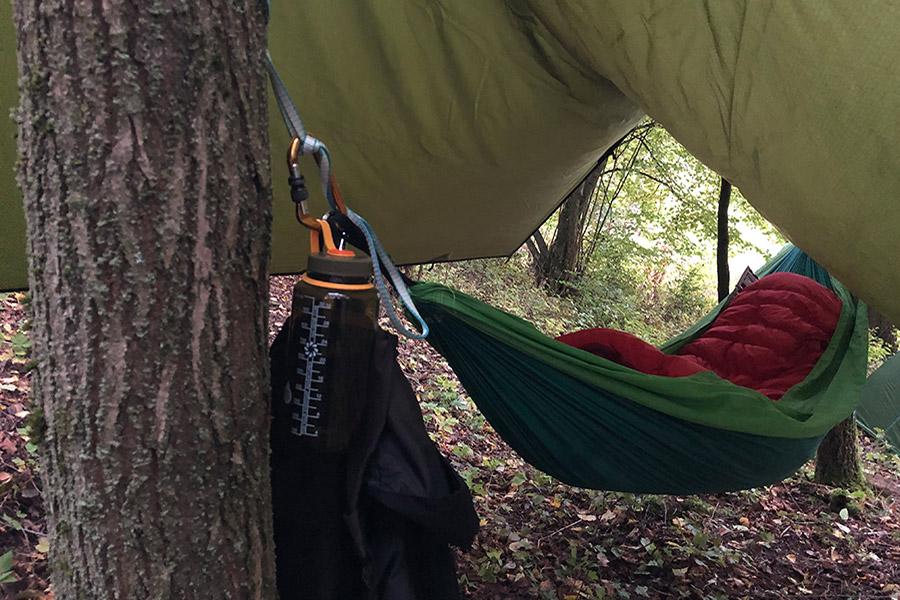 Schlafsack in Hängematte - die Nacht kann kommen