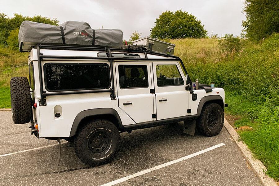 voll aufgerüsteter Land Rover